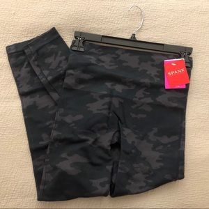 Spanx black camo seamless leggings